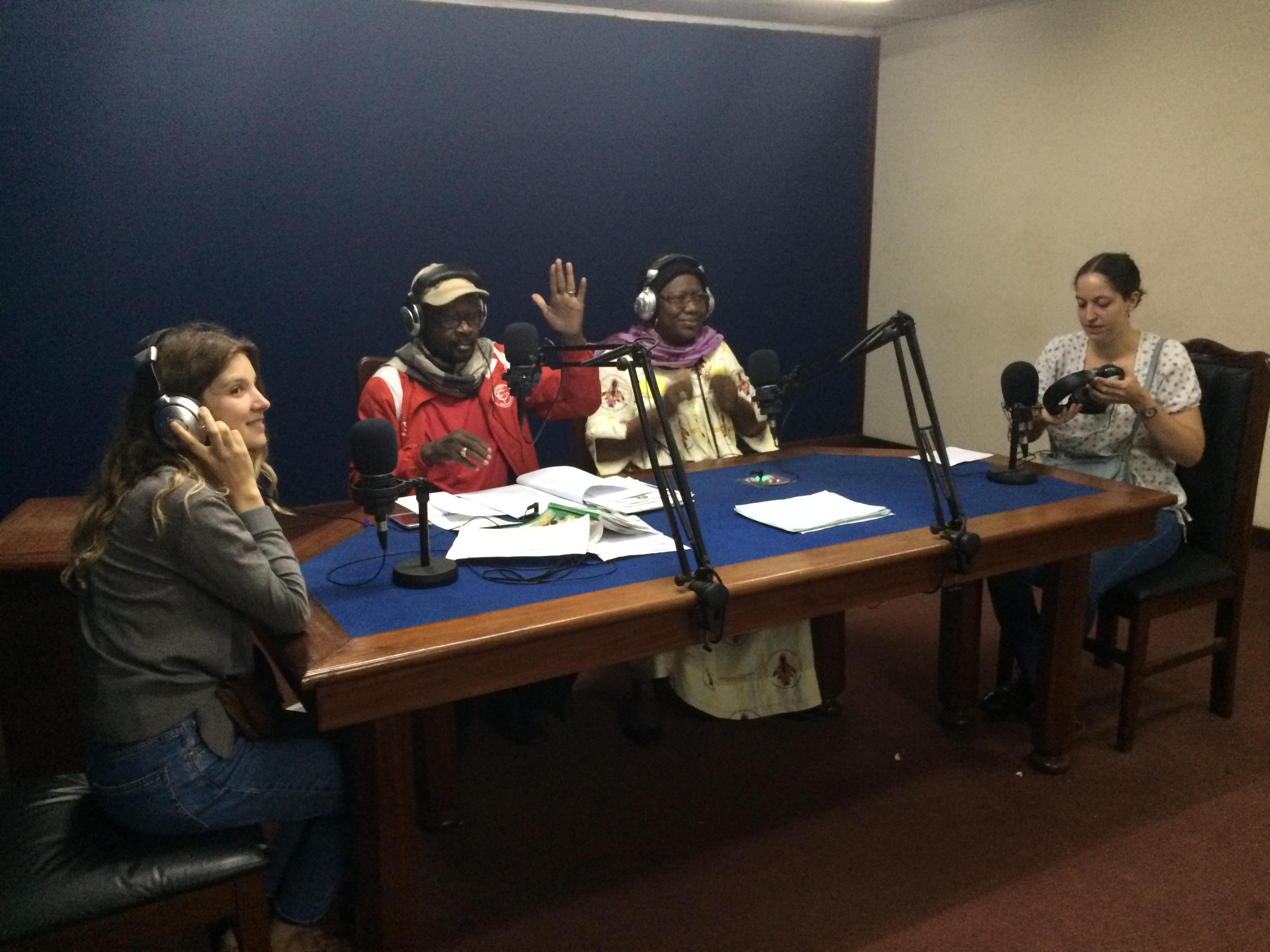 L'équipe d'ANI au Cameroun invitée à la radio nationale